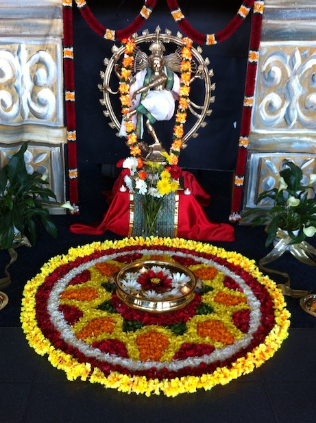 Foyer decor arangetram bharathanatyam dance indian for Arangetram stage decoration ideas